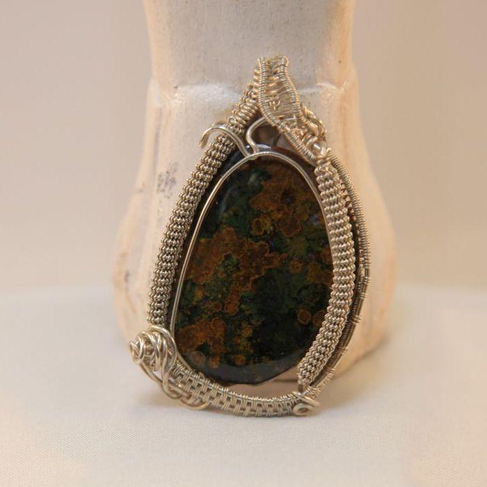 gekko on agate stone sterling silver pendant